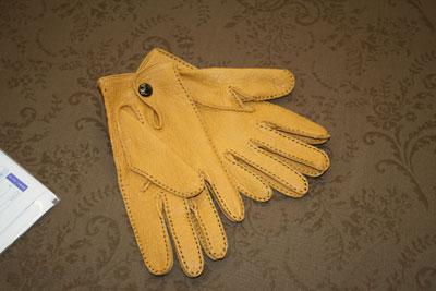 英国デンツのマスタード色の手袋