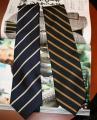ネクタイの縞の方向