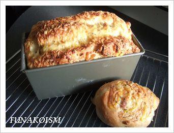 ベーコンオニオンチーズパン