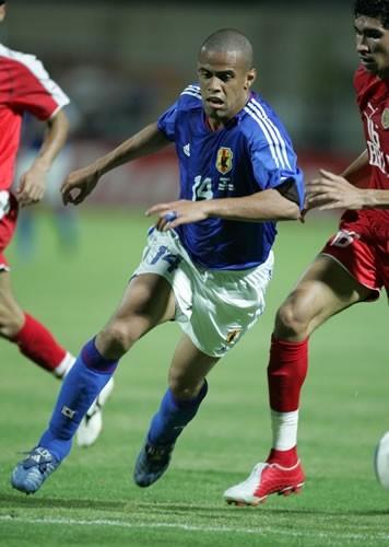 日本代表 背番号14 三都主アレサンドロ(浦和レッズ)