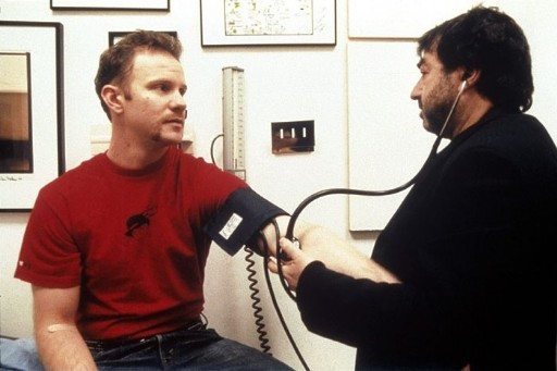 医師の診断を受けるスパーロック