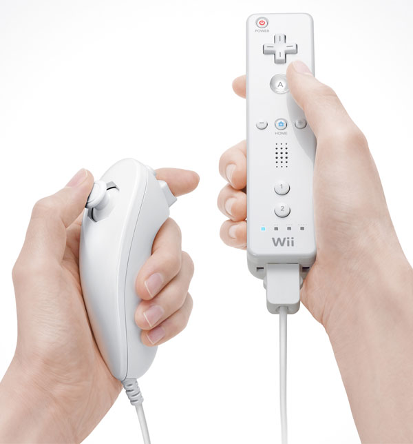Wiiのリモコンにヌンチャク(左)をつけたもの