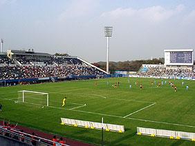 三ツ沢公園球技場