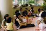 20060830十代と幼児絵本あそびあい