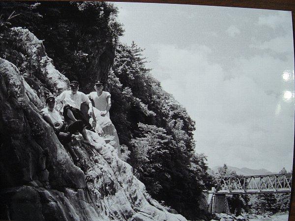 貞光川 奥岩とゆうま橋