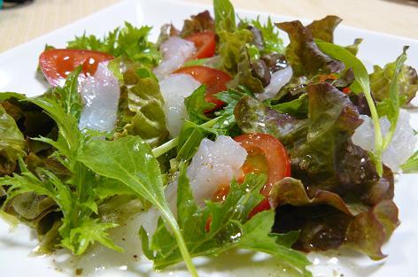 ヒラメと間引き菜のサラダ