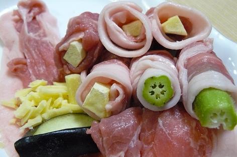 串カツの中身は、オクラとナスチーズとサツマイモ