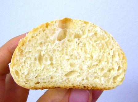 レーズン酵母パン断面0610