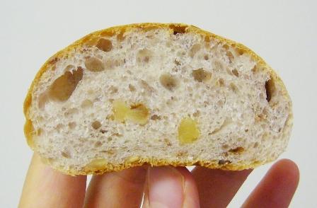 レーズン酵母クルミパン0613