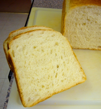 レーズン酵母食パン断面0617