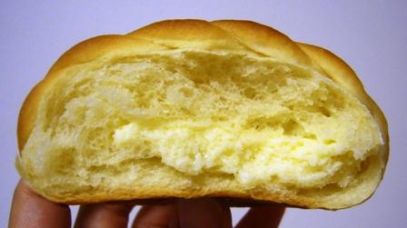 ハイジのチーズパン断面