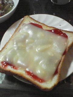 ジャムパンチーズのせ