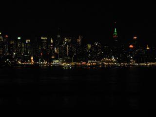 ニュージャージーからのマンハッタン(4大夜景の一つだそうです)。