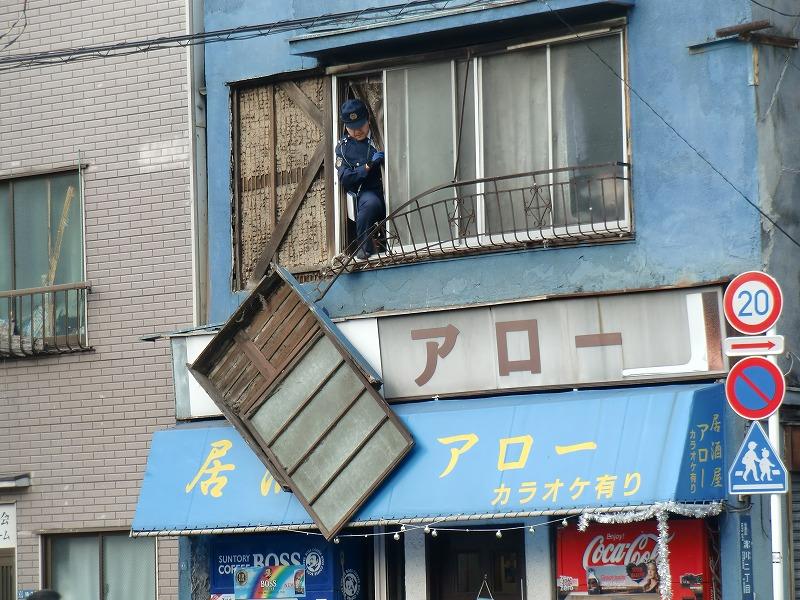 地震で落ちた戸袋