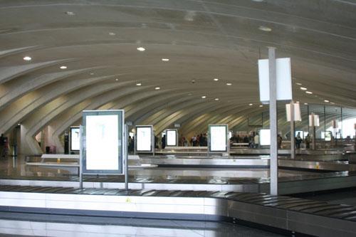2.bagageclaim.jpg