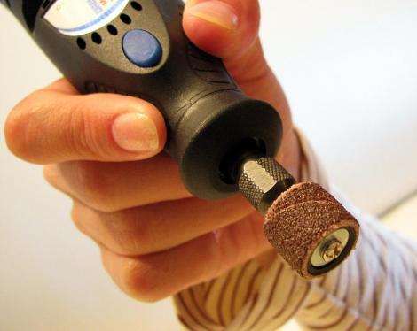 自動爪削り器④