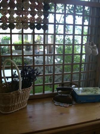 和の格子窓
