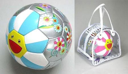 村上隆サッカーボール
