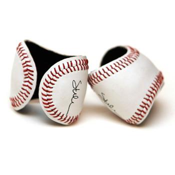 Baseball Cuff を付けて野球観戦なんてどうかな?