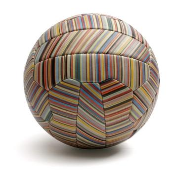 ポールスミスのサッカーボール