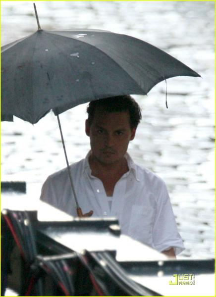 johnny-depp-rain-rain-go-away-05s_20110719074205.jpg