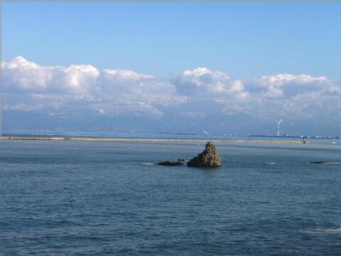 氷見海岸からの立山連峰