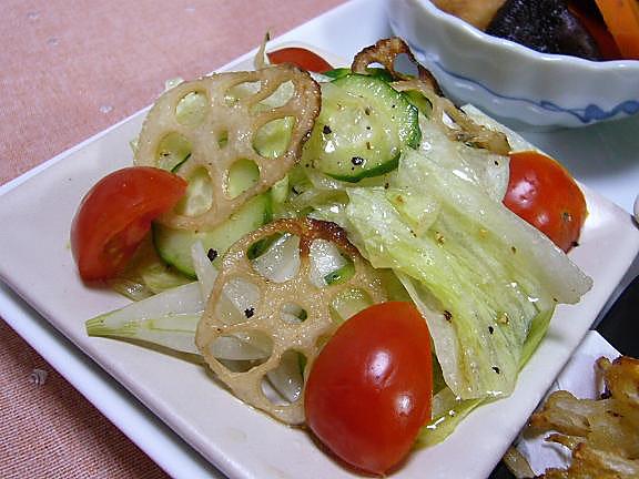 野菜サラダ→オリーブオイル無くなりグレープシードオイルのドレッシングで~
