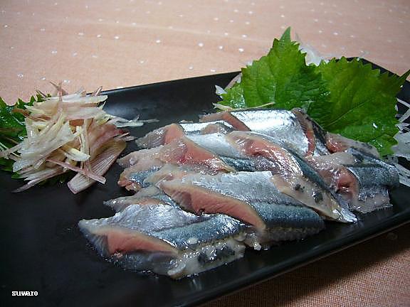秋刀魚の刺身→お刺身にすると飽きずに食べられる夫婦です