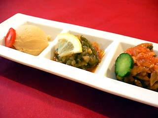 コナック 前菜(エジプト豆のペースト、インゲンの冷製、トルコ風ラタトゥユ)