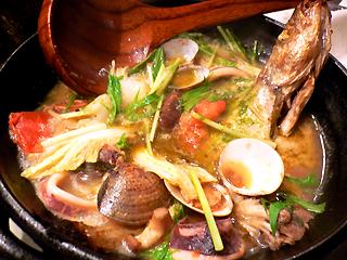 ナポリ海鮮アクアパッツァ