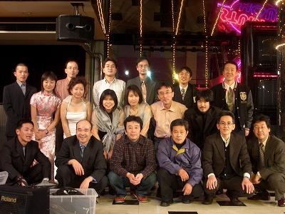 コンサート終了後、そのへんに居たメンバーで集合写真w(全員じゃないのが残念)