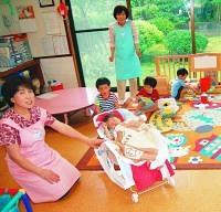 シルバー世代も手伝って、子どもの一時預かりが広がっている(福井市シルバー人材センターの「ひだまりの家」で)