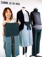 中央のチュニックドレスは、フォーマルにもカジュアルにも着こなせる。ウエスト部分がリブ編みになったパンツ(右)は、おなかが楽なので、妊婦の母親世代にも人気。左は前側にもマチがついたスパッツ(「コムサデモード・ブロンドオフ」で)