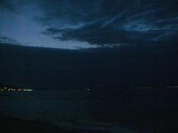 金田湾の夜明け前