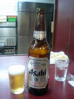 冷たいビールがうまい!