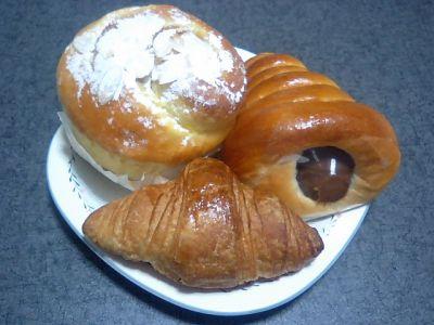 ダイエー甲子園B2のパン屋