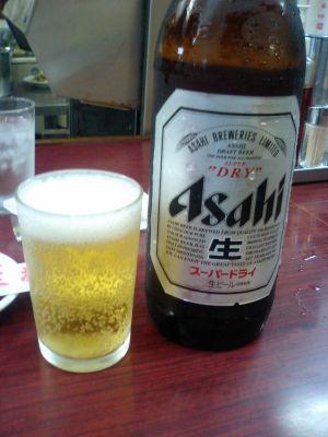 まずは、ビンビールから