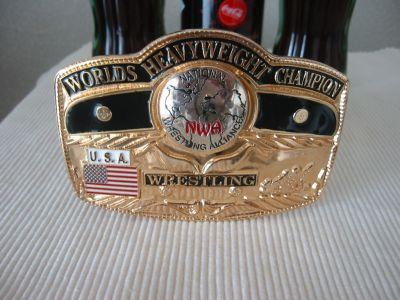 NWA世界ヘビー級のベルトバックル。