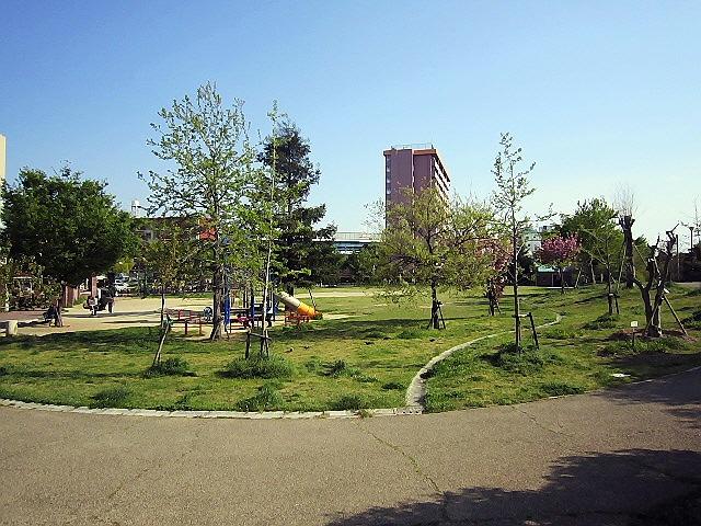 兵庫駅南公園と『パティスリィ・ビスキュイ』♪