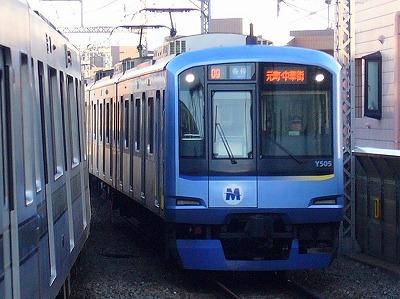 09ゥ Y515F