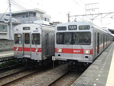 07.07.31 大井町線8001F、9007F並び