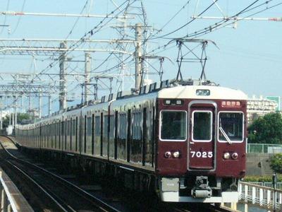 07.08.16 阪急神戸線 7025F 通勤特急梅田