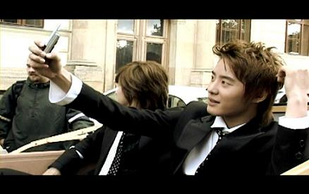 1180452875_tvxq-prague_wmv_000589823.jpg