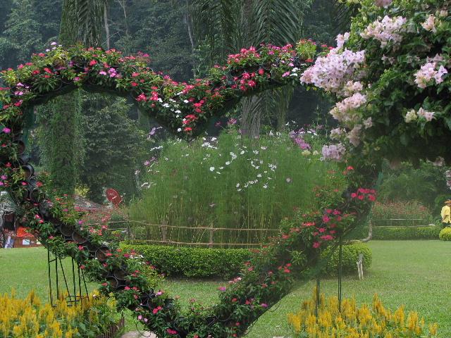 クリサダドイの花アーチ