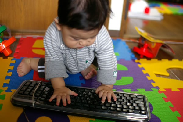壊されたキーボード