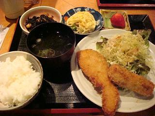 サーモンのカレー風味フライ定食