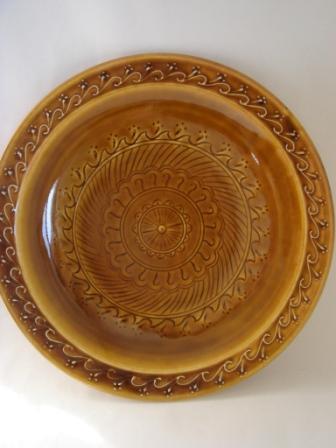 飴釉丸平皿インド紋
