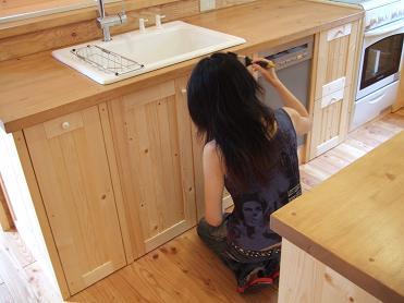 キッチン塗装3回目