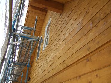 裏側の妻壁の塗装完了