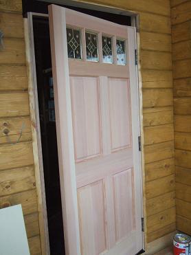 玄関ドアが設置されました